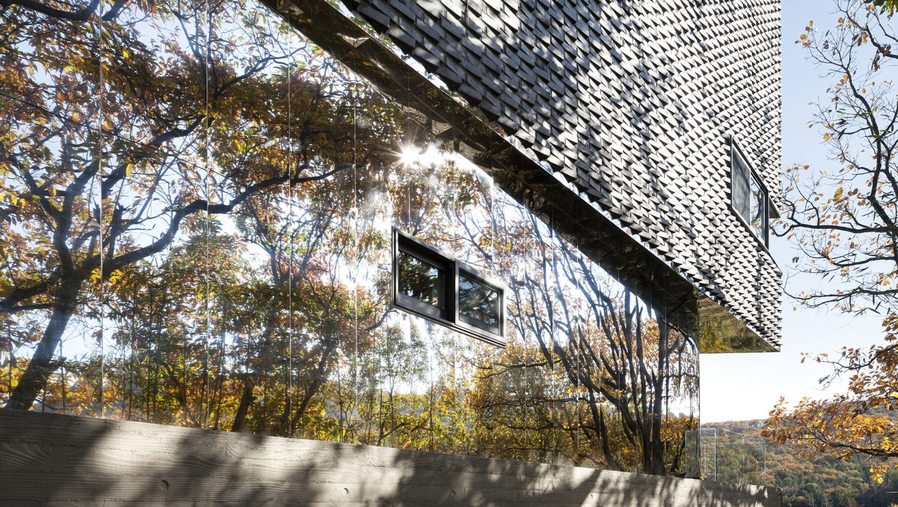 The Curving House 06